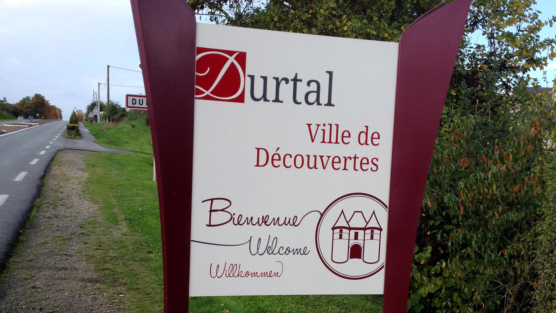 ville-durtal-signaletique-01